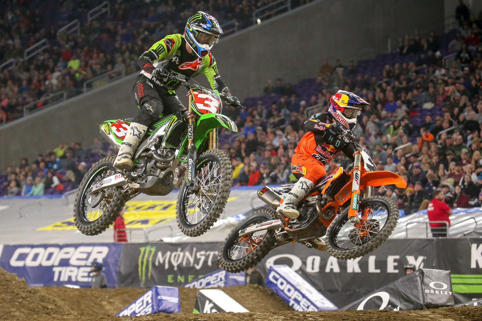 Eli Tomac showed good early speed as he battle with Cooper Webb for the first 450 heat win.
