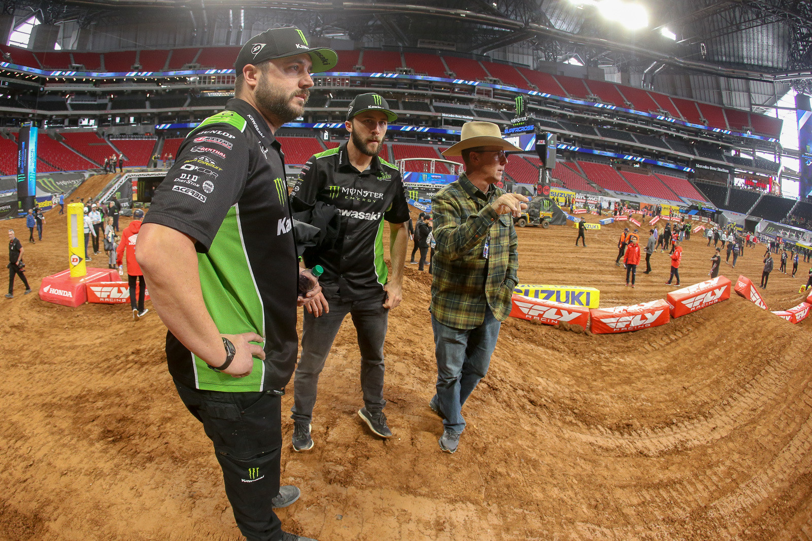Eli Tomac brought the magic last weekend. Has he cracked the code on his setup for this year? We caught him, his mechanic (Brian Kranz), and his dad, John, checking out the terrain during track walk.