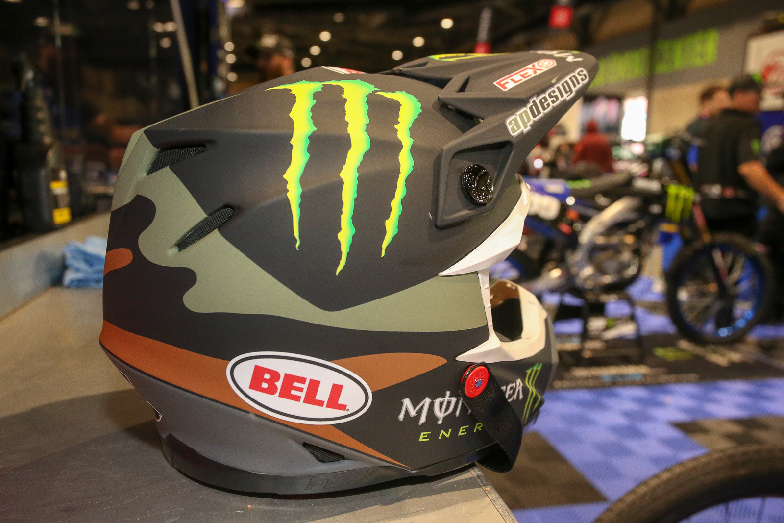 We have to say, the gear, helmet, goggle, and boot companies have done a stellar job of synchronizing their color combos this season. This Bell matches up nicely with the Thor gear that the Yamalube Star Racing Yamaha guys are wearing this weekend.