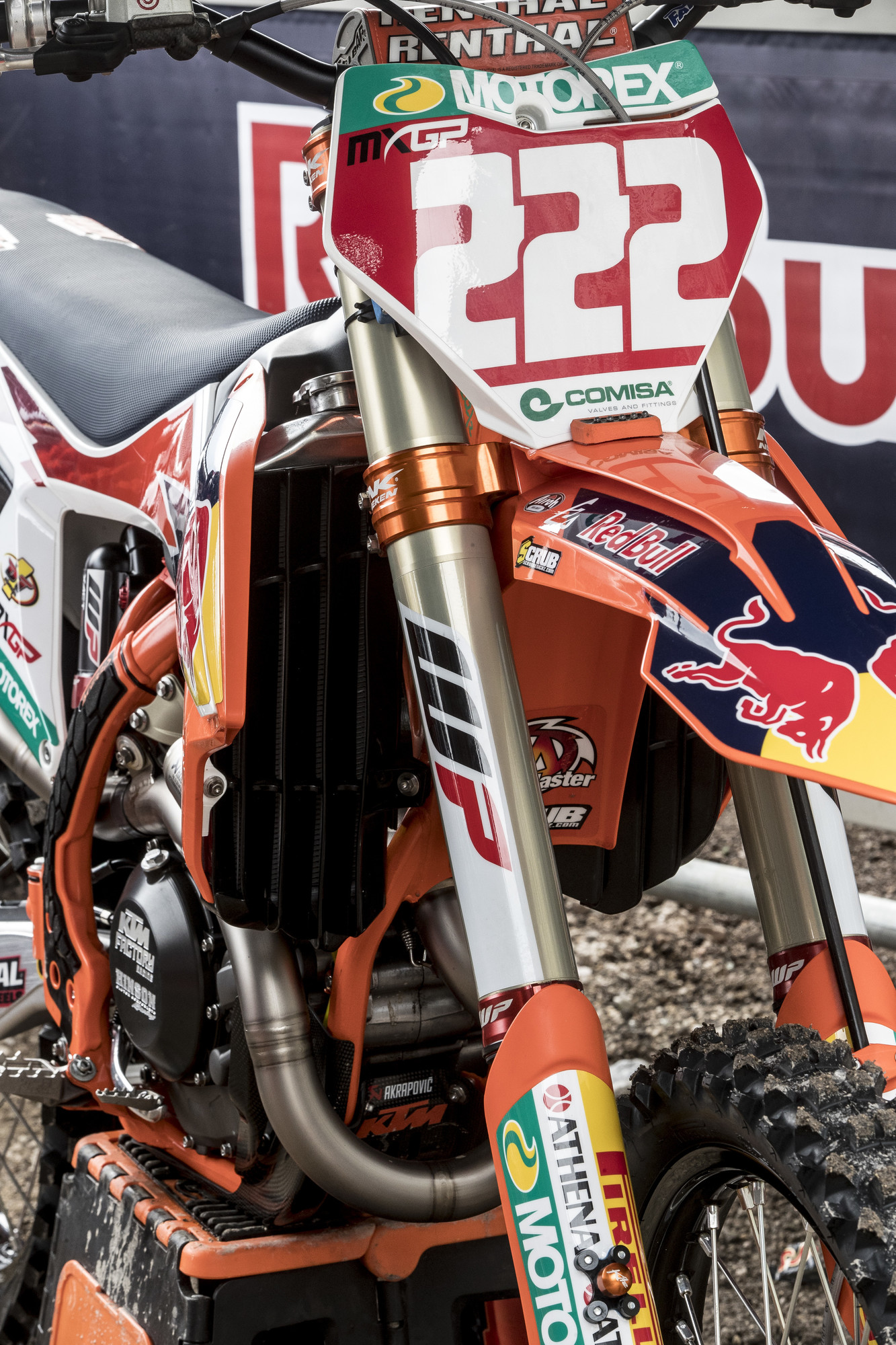 A closer look at the front of Cairoli's bike shows that he runs different Neken triple clamps than the US KTM team. The bottom edge of the lower clamp runs straight across rather than having a curved cutout.