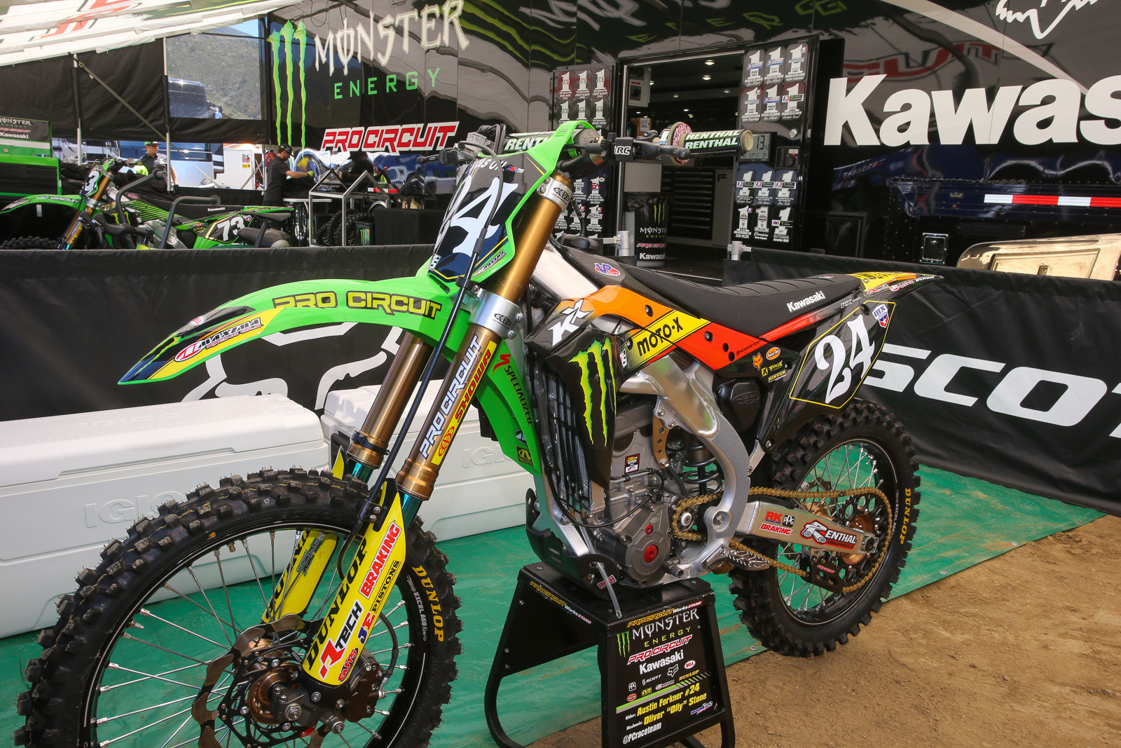 We hear that Fox floated the idea of these graphics (and old school numbers) for the weekend to match the gear, but that it got shot down by the guys at Kawasaki.