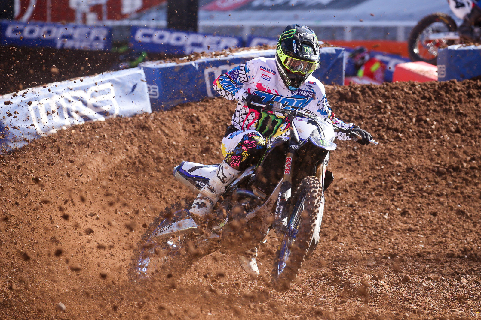 Aaron Plessinger also had work to do in the main, jumping up seven spots to an eventual ninth-place finish.