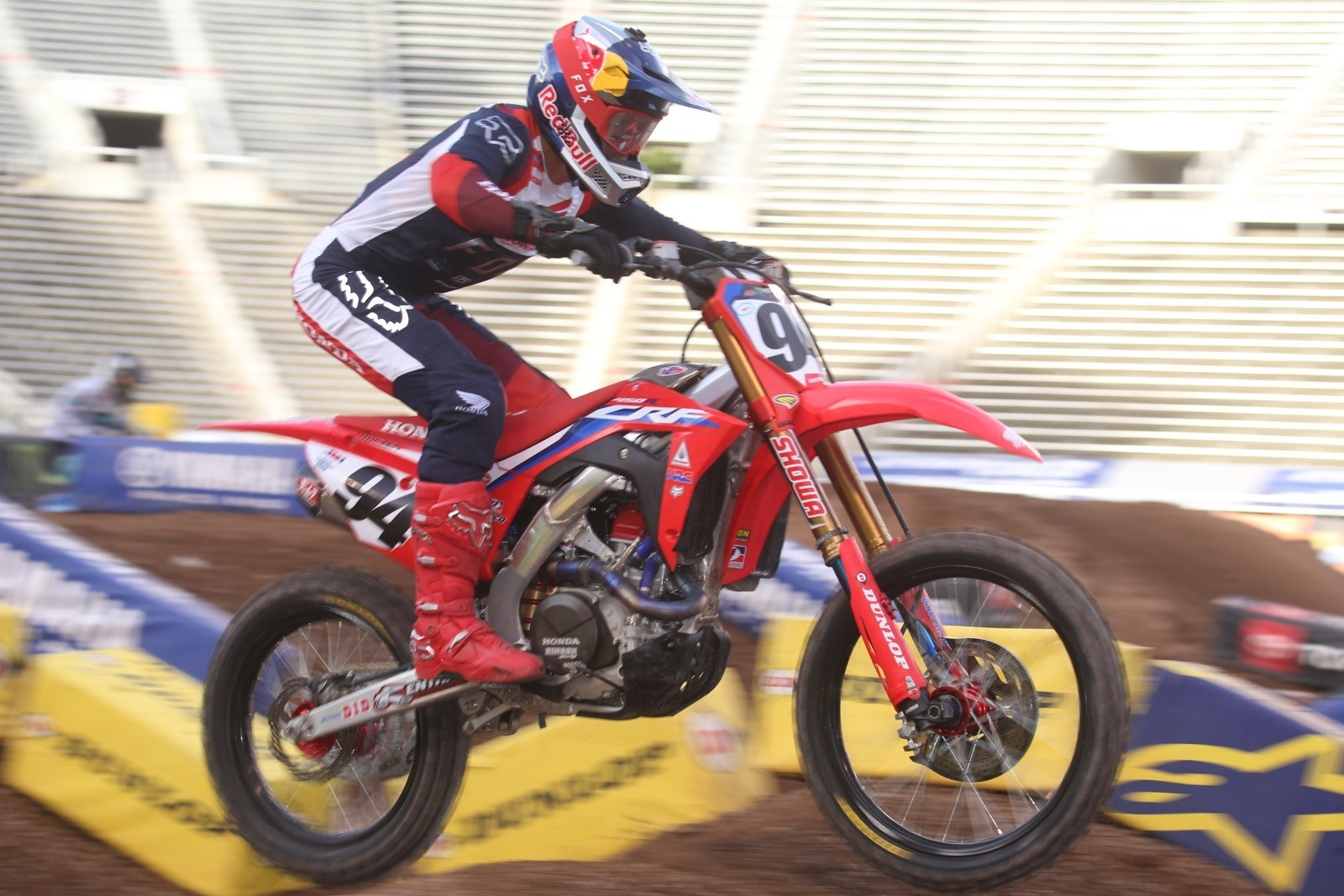 Ken Roczen claimed the Main Event win.