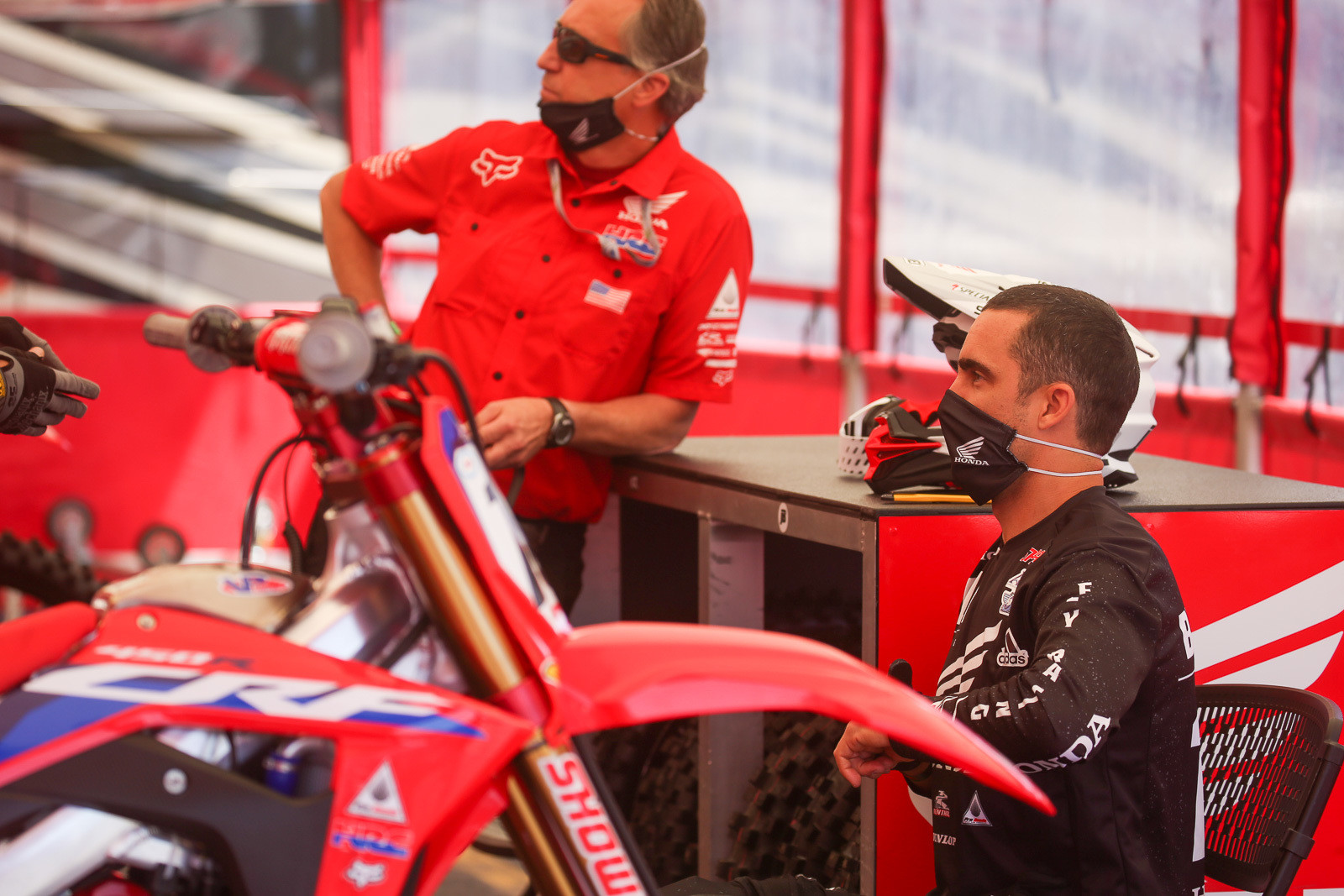 Justin Brayton and Shane Drew hanging out before the start of Sunday's action. Proper social distancing engaged.