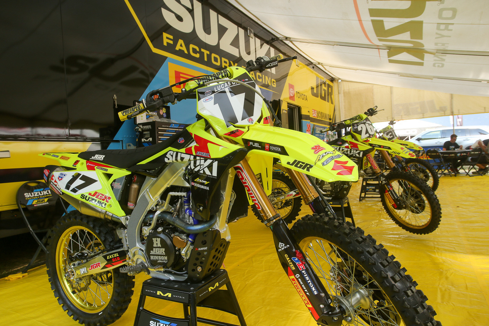 JGRMX/Yoshimura/Suzuki Factory Racing is rocking flo plastics for the weekend. What do you think?