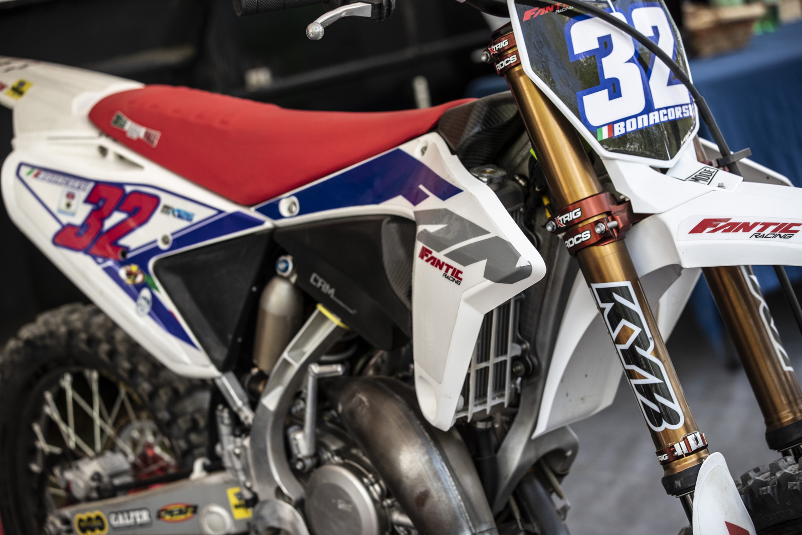 Let's get right into the bikes. As requested here is a look at Fantic XX125 ridden by Andrea Bonacorsi in the EMX125 class.