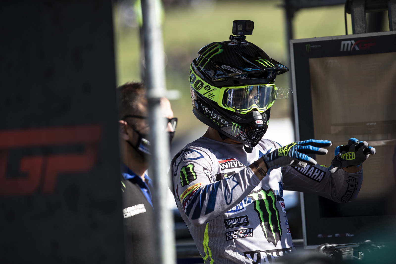 Gautier Paulin is working on his hocus pocus. He is also testing the new Bell helmet that we've seen on Tomac and Webb.