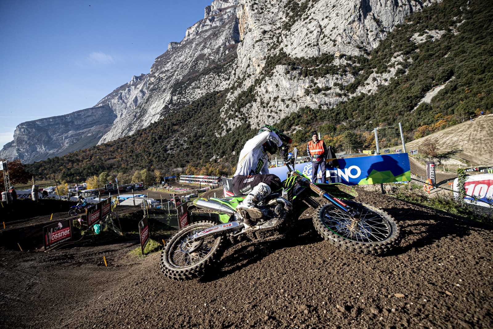As the last race of the 2020 MXGP season, it is bittersweet for two of the long-time racers. Both Clement Desalle and Gautier Paulin announced their retirement.