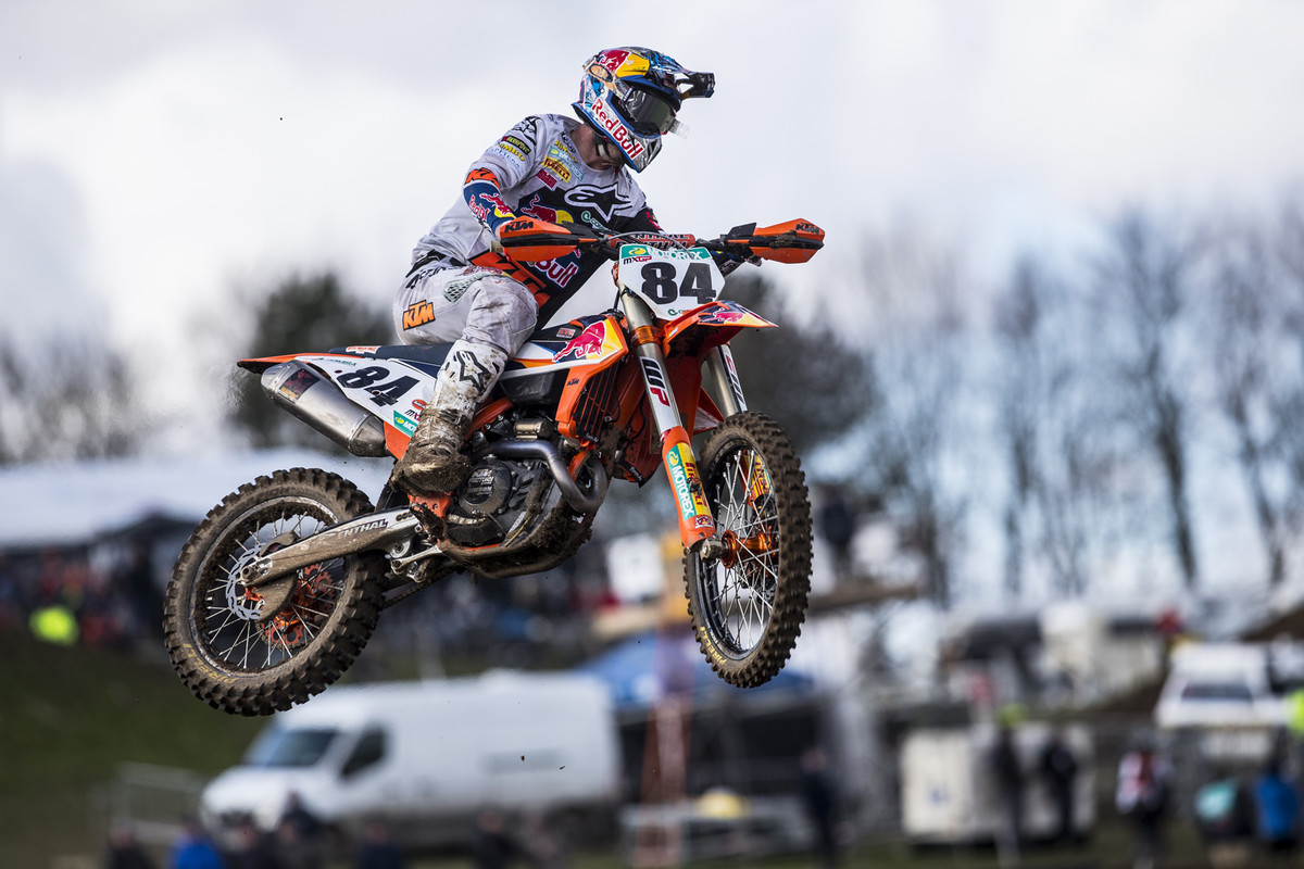 MXGP of Great Britain: At this point, Jeffery Herlings was healthy and ripping. Got the overall and red plate out the gate.