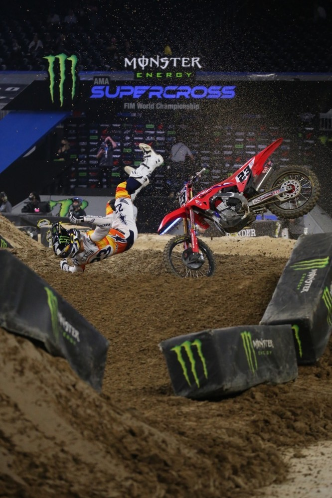 Chase Sexton had a huge crash that ended his night. Adam Cianciarulo had a crash as well and finished in 12th place.