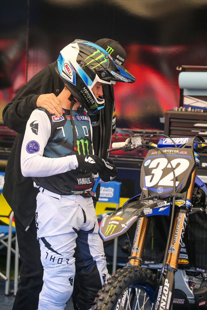 Justin Cooper had a broken bone in his foot with just about a month to go until the season. Did it slow him down? Sure didn't seem like it. Here he gets some pre-race inspiration from Bobby Regan.
