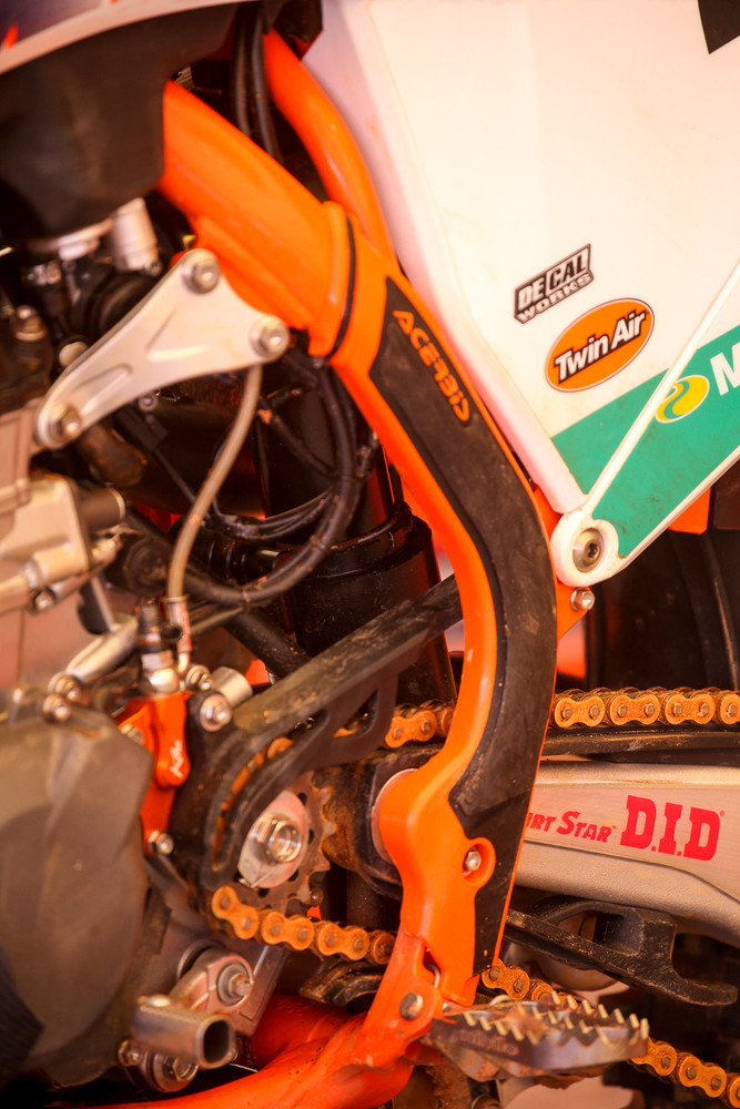 Just another peek at the ever-elusive WP air shock. That's on Marvin Musquin's bike.