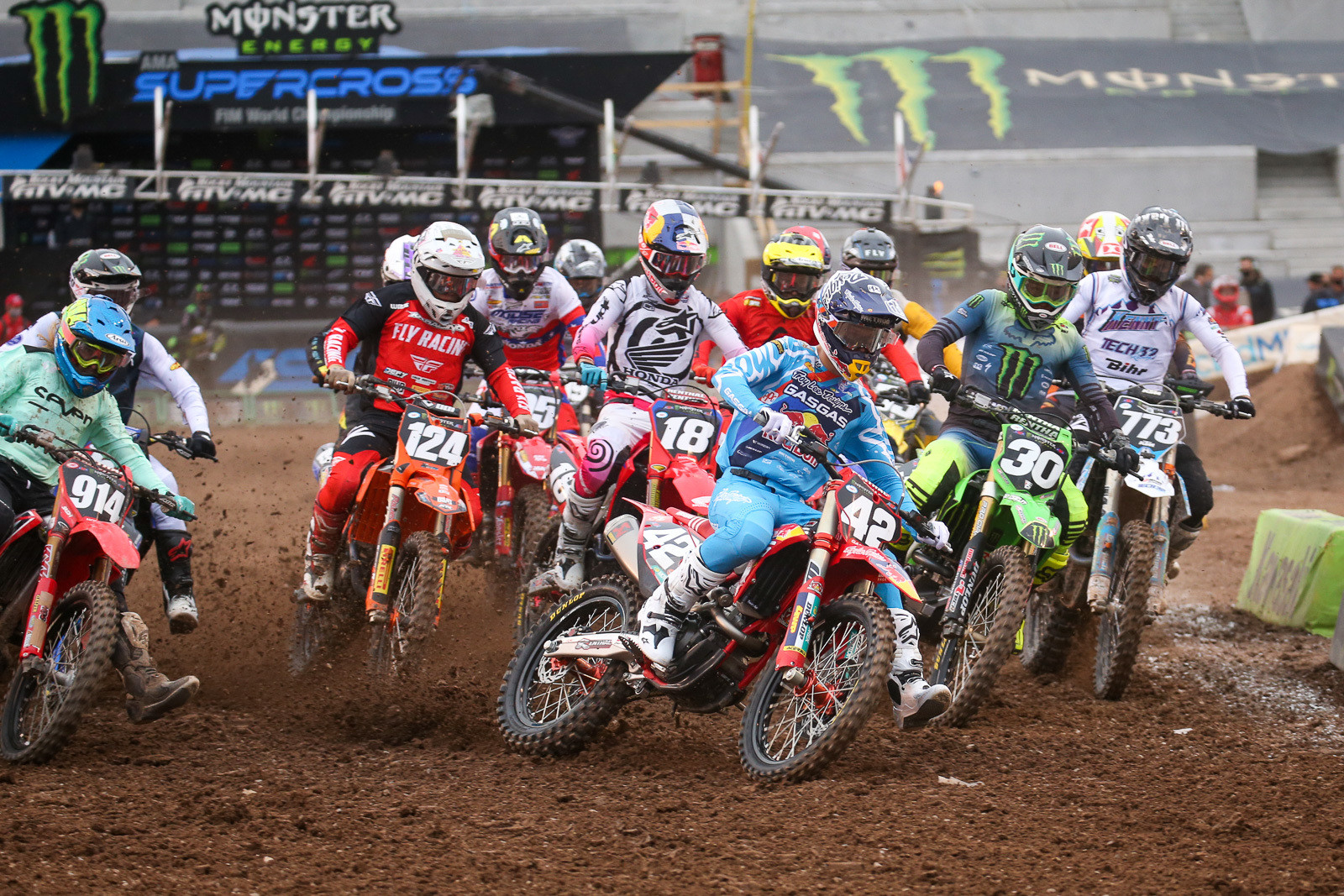Michael Mosiman leading into the first turn of the 250 main.