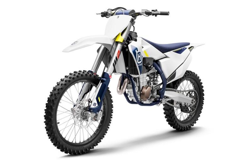 2022 FC 450