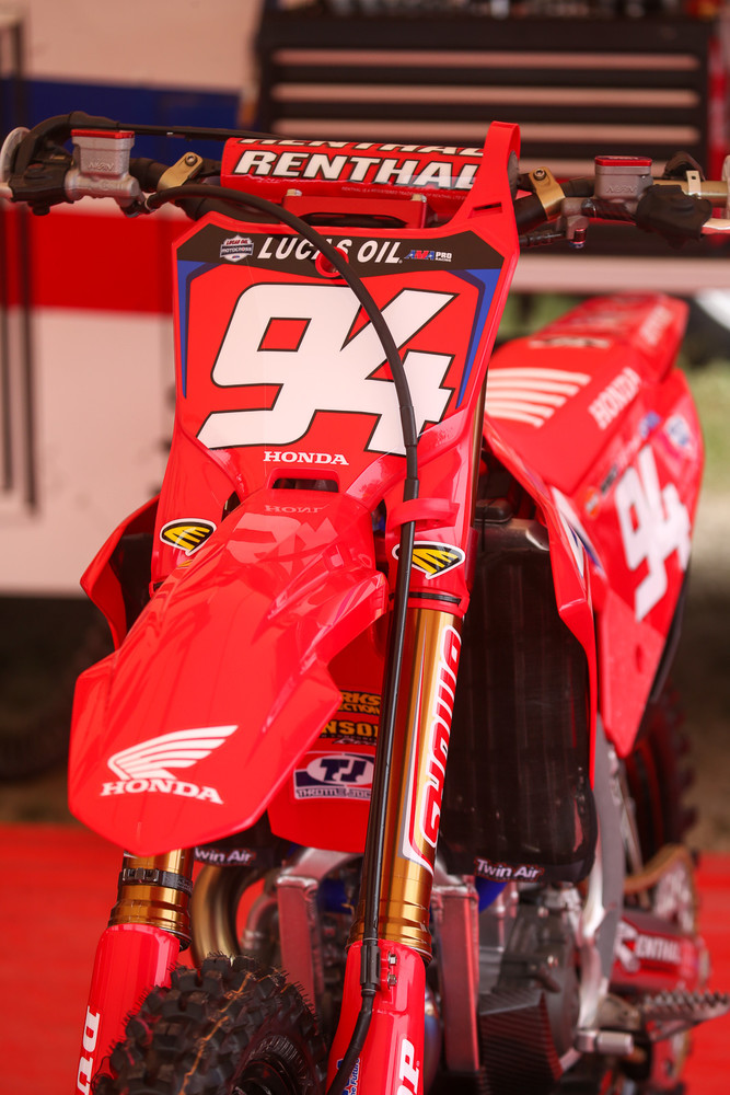 While it was all blue atop the leaderboard in Colorado, that had changed to red for High Point, with Ken Roczen in the 450s...