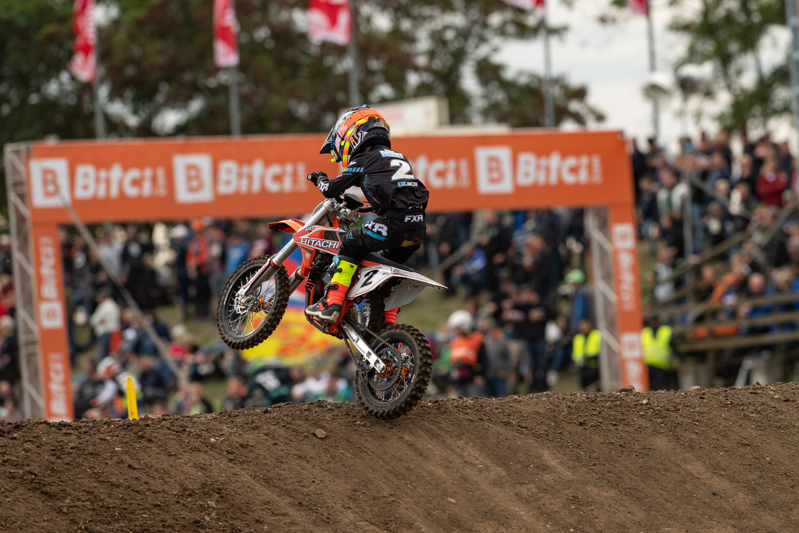 The FIM Junior eMotocross had its inaugural race with the MXE class racing KTM, Husqvarna, and GASGAS electrified versions of their many moto bikes.