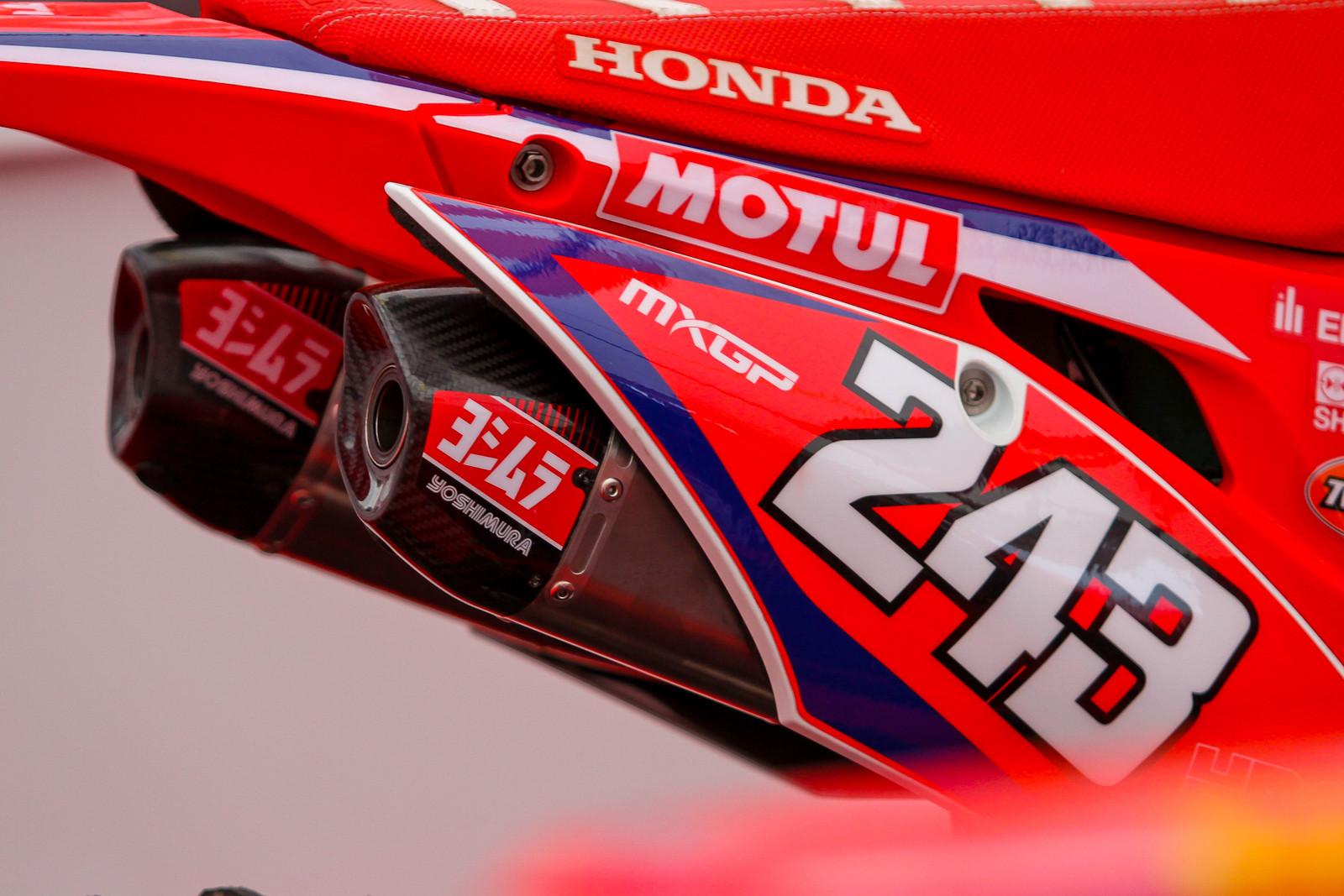 Tim Gajser's Yoshimura Exhaust - Vital MX Pit Bits: 2017 MXGP of Valkenswaard - Motocross Pictures - Vital MX