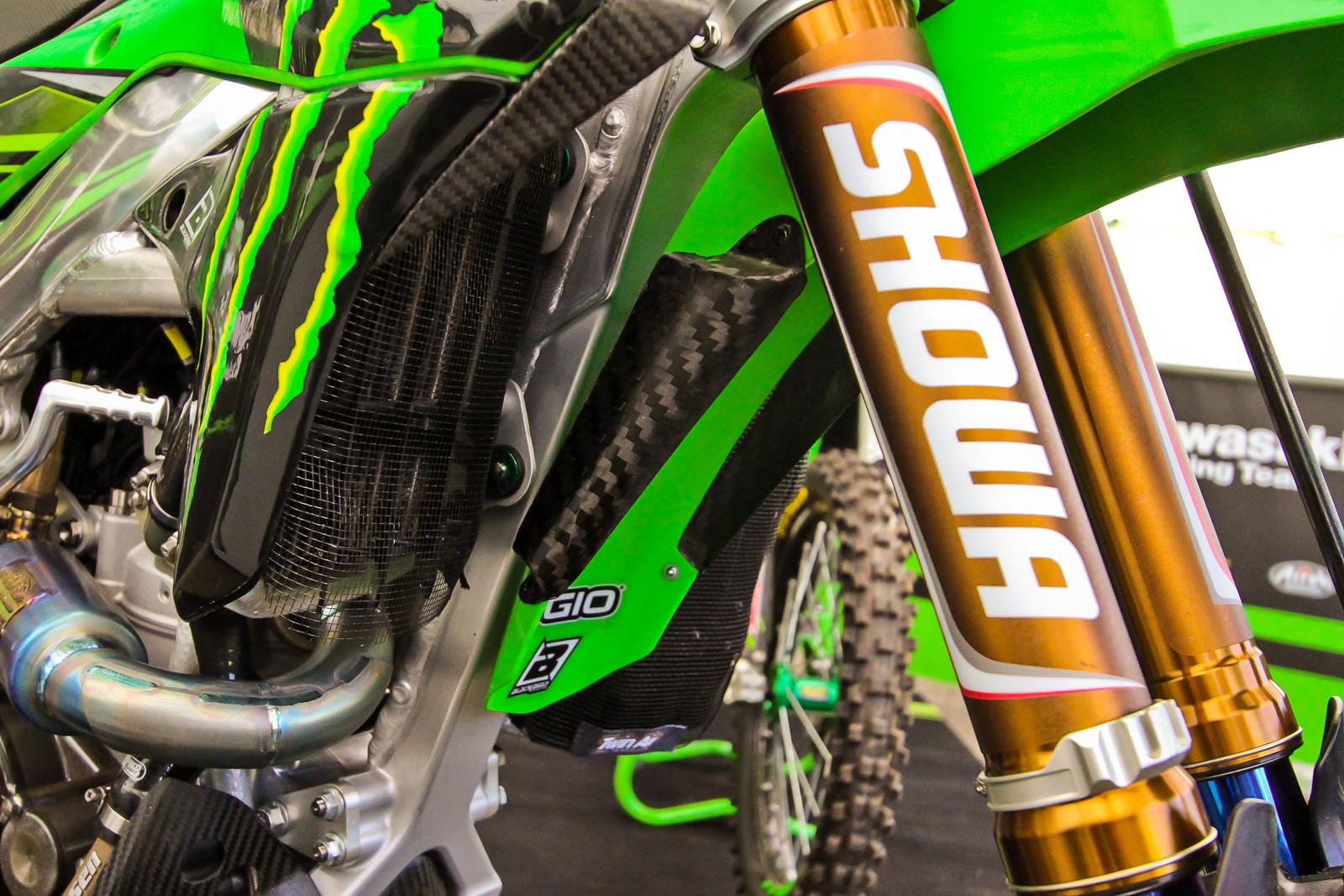 Monster Energy Kawasaki Racing Team's Airflow Tricks - Vital MX Pit Bits: 2017 MXGP of Valkenswaard - Motocross Pictures - Vital MX