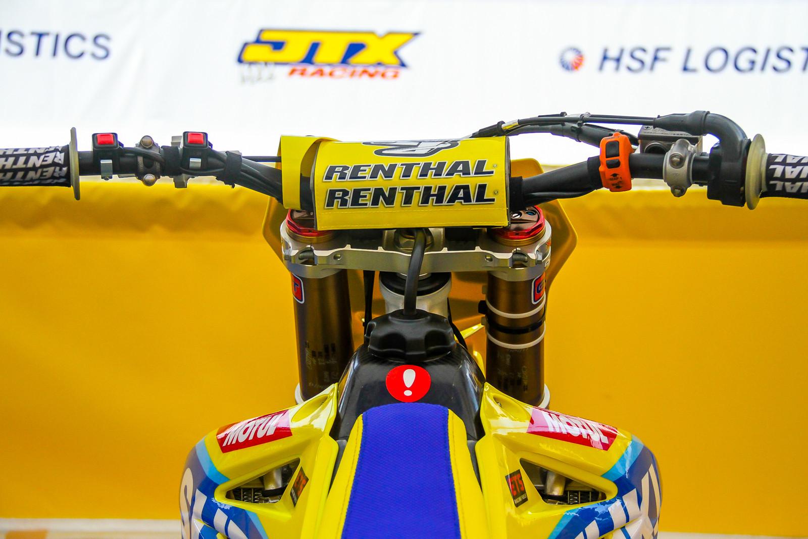 Suzuki World MXGP - Vital MX Pit Bits: 2017 MXGP of France - Motocross Pictures - Vital MX