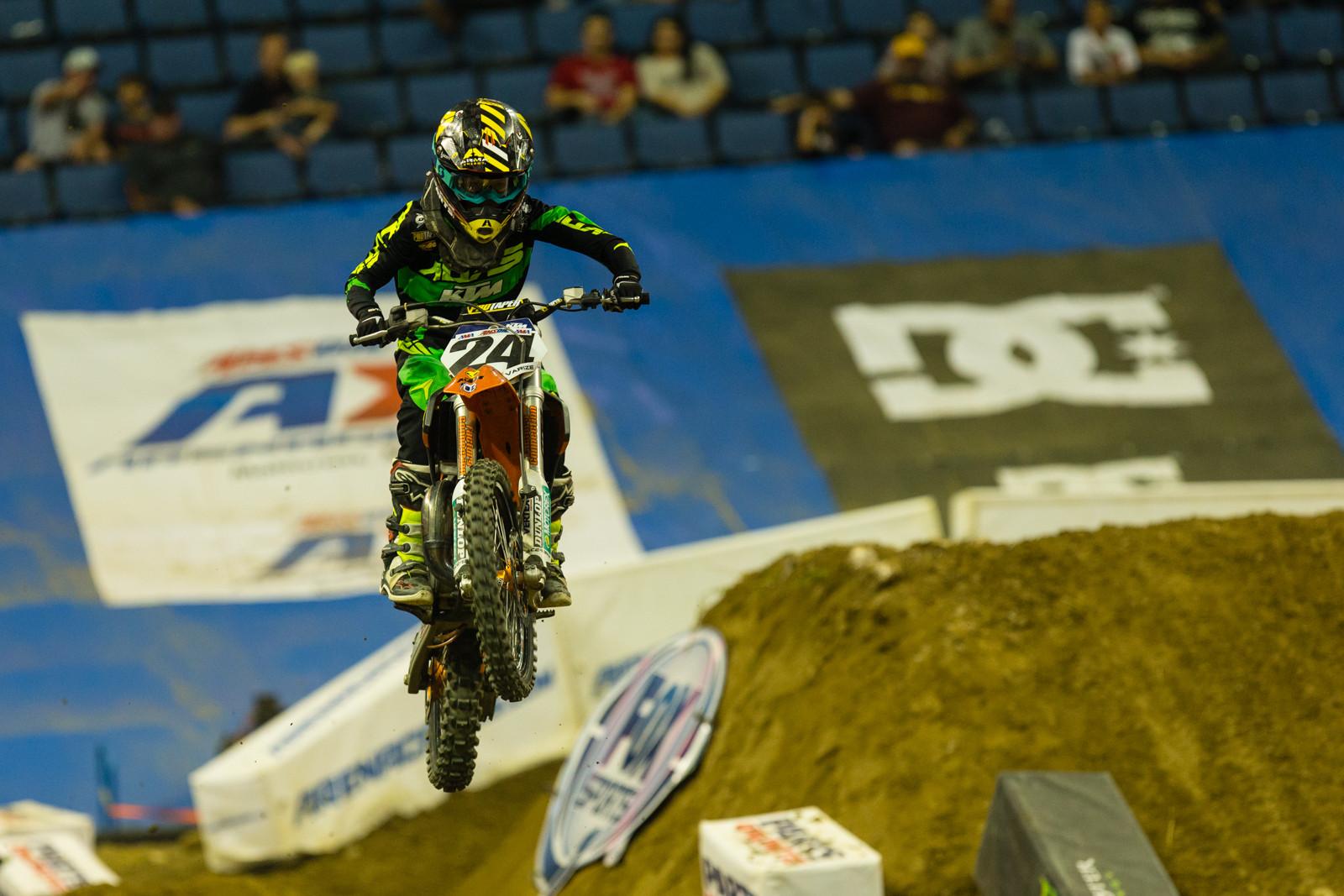 Josh Varize - Photo Gallery: Ontario Arenacross - Saturday Night - Motocross Pictures - Vital MX