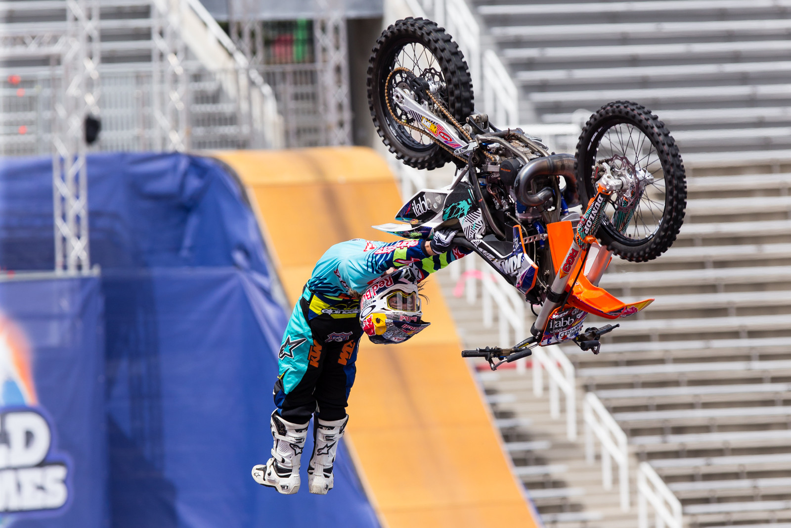 2016 Nitro World Games: FMX Qualifying Gallery - Levi Sherwood - 2016 Nitro World Games: FMX Qualifying Gallery - Motocross Pictures - Vital MX
