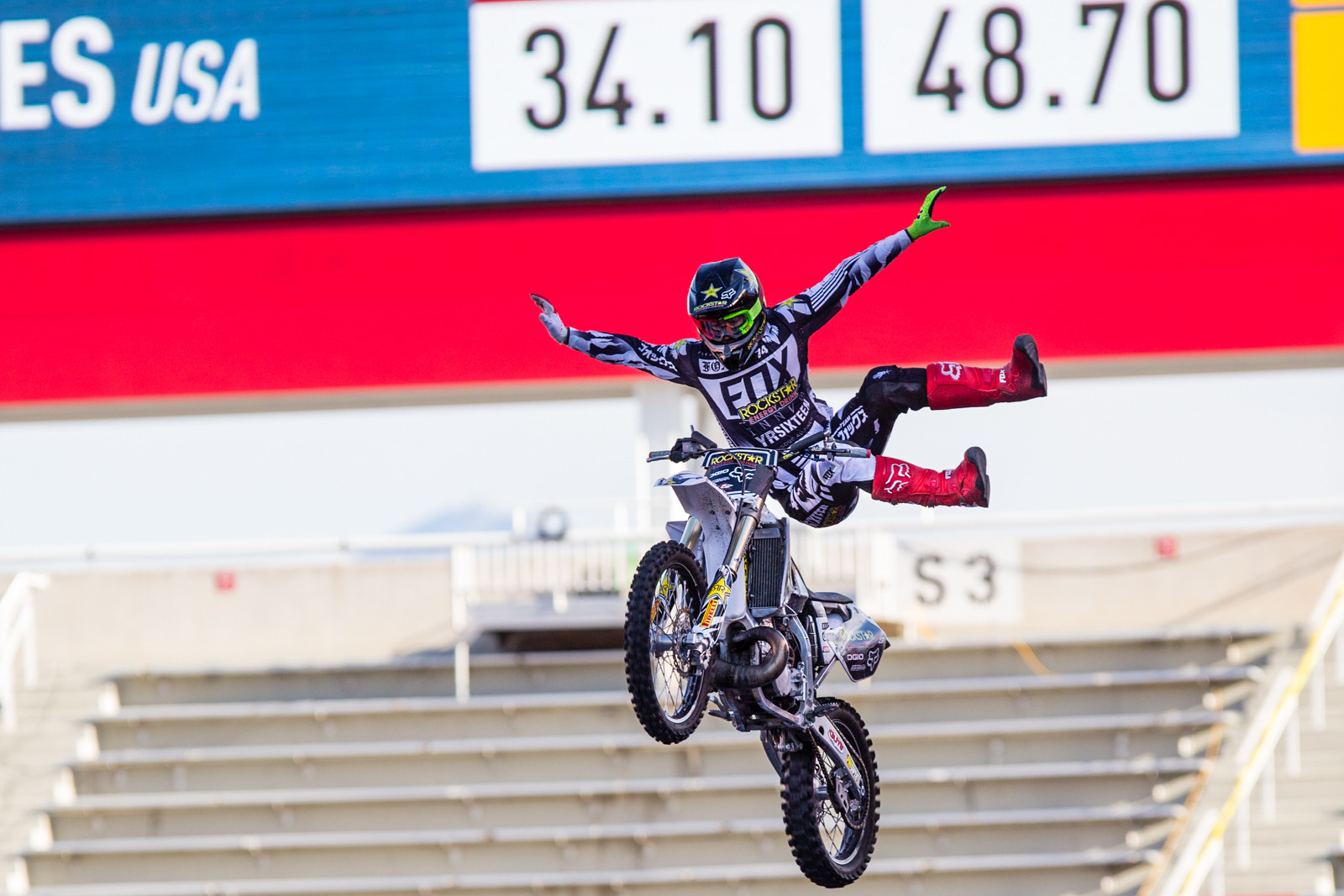 2016 Nitro World Games: FMX and Best Trick Finals Gallery - Adam Jones - 2016 Nitro World Games: FMX and Best Trick Finals Gallery - Motocross Pictures - Vital MX