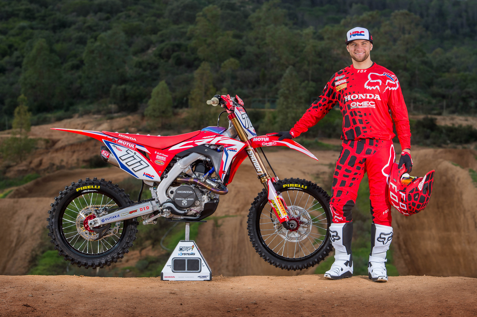 Evgeny Bobryshev and his 2017 Honda HRC Gariboldi CRF450RW - First Look: 2017 Honda HRC MXGP and MX2 Team - Motocross Pictures - Vital MX