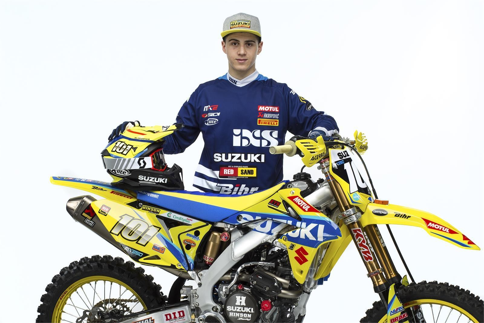 Zachary Pichon and his 2017 Suzuki World MX2 RM-Z250 - First Look: 2017 Suzuki World MX2 Team - Motocross Pictures - Vital MX
