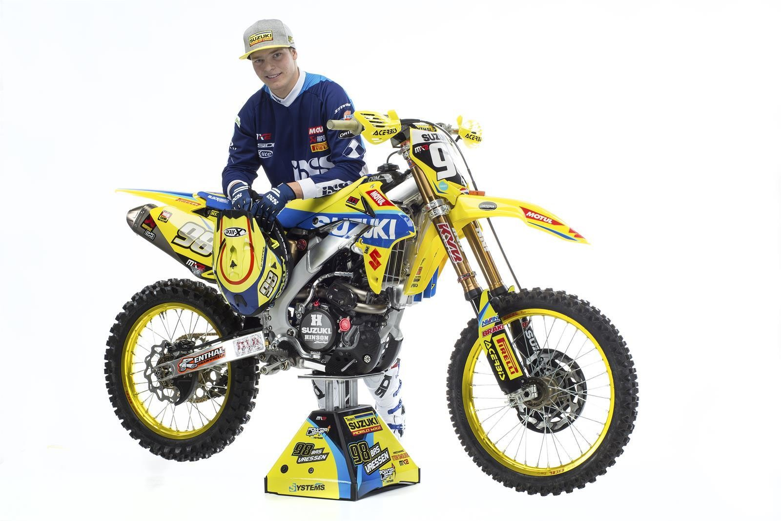 Bas Vaessen and his 2017 Suzuki World MX2 RM-Z250 - First Look: 2017 Suzuki World MX2 Team - Motocross Pictures - Vital MX