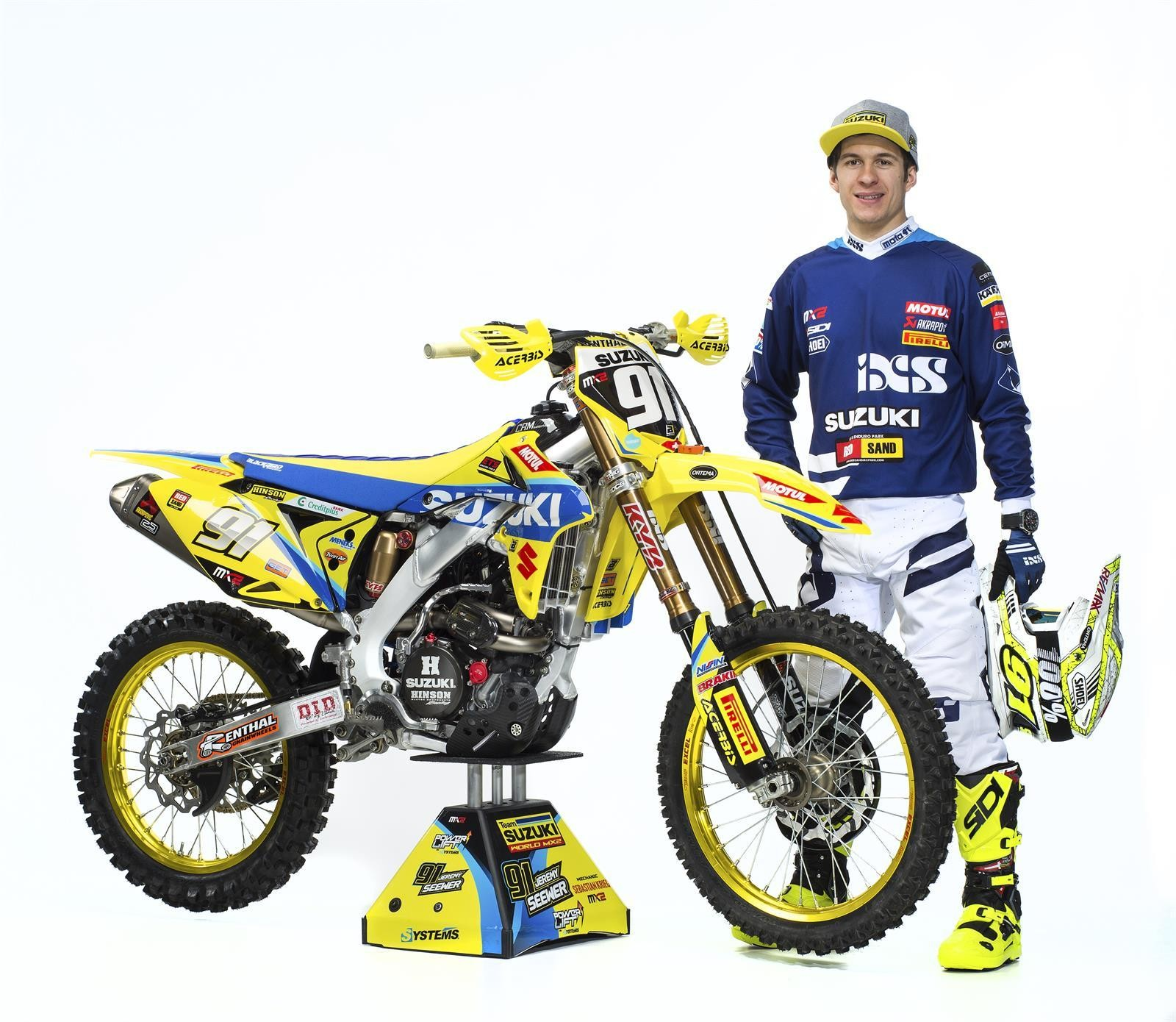 Jeremy Seewer and his 2017 Suzuki World MX2 RM-Z250 - First Look: 2017 Suzuki World MX2 Team - Motocross Pictures - Vital MX