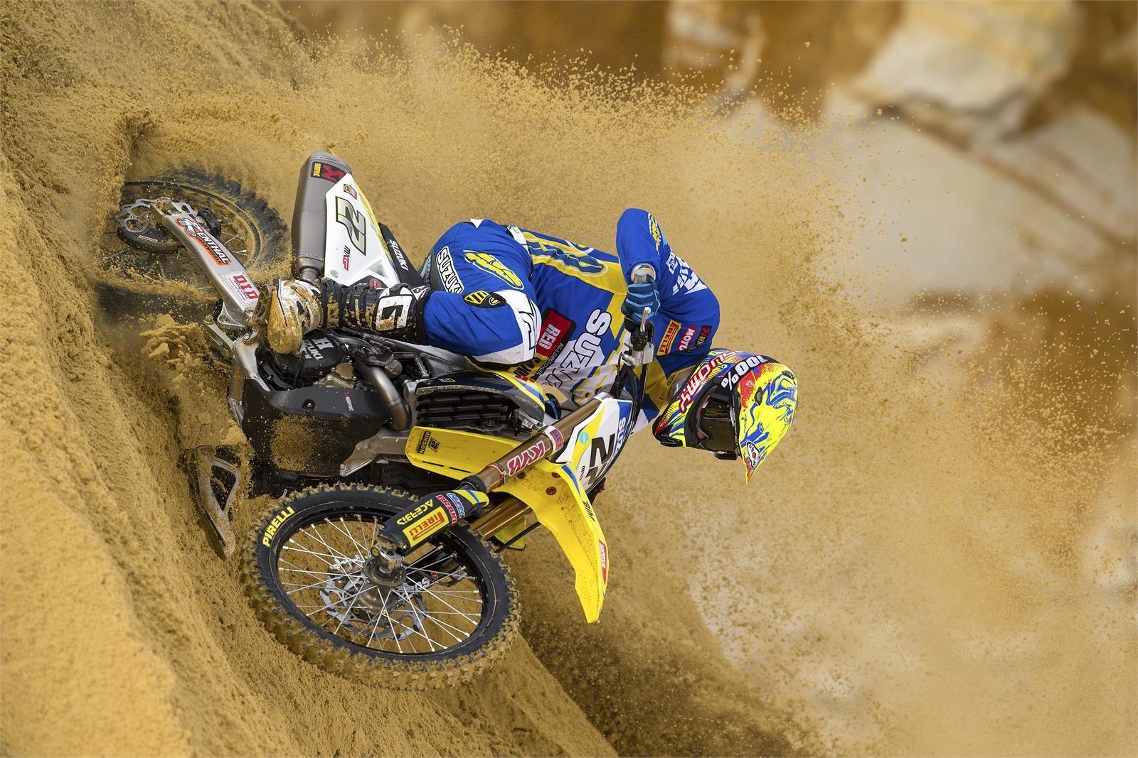 Arminas Jasikonis - First Look: 2017 Suzuki World MXGP Team - Motocross Pictures - Vital MX