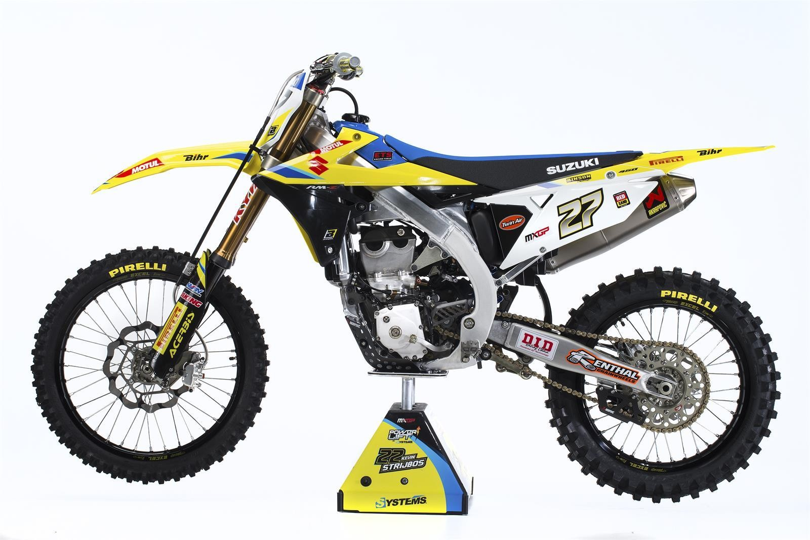 Arminas Jasikonis' 2018 Suzuki World MXGP RM-Z450WS - First Look: 2017 Suzuki World MXGP Team - Motocross Pictures - Vital MX