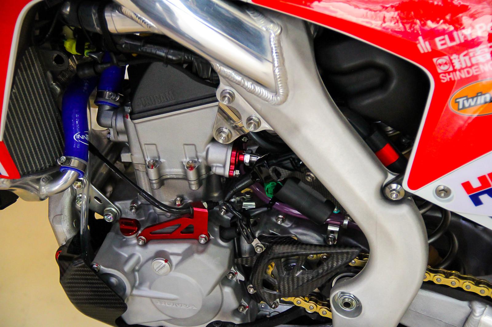 Team Honda HRC MX2's Engine - Vital MX Pit Bits: 2017 MXGP of Qatar - Motocross Pictures - Vital MX