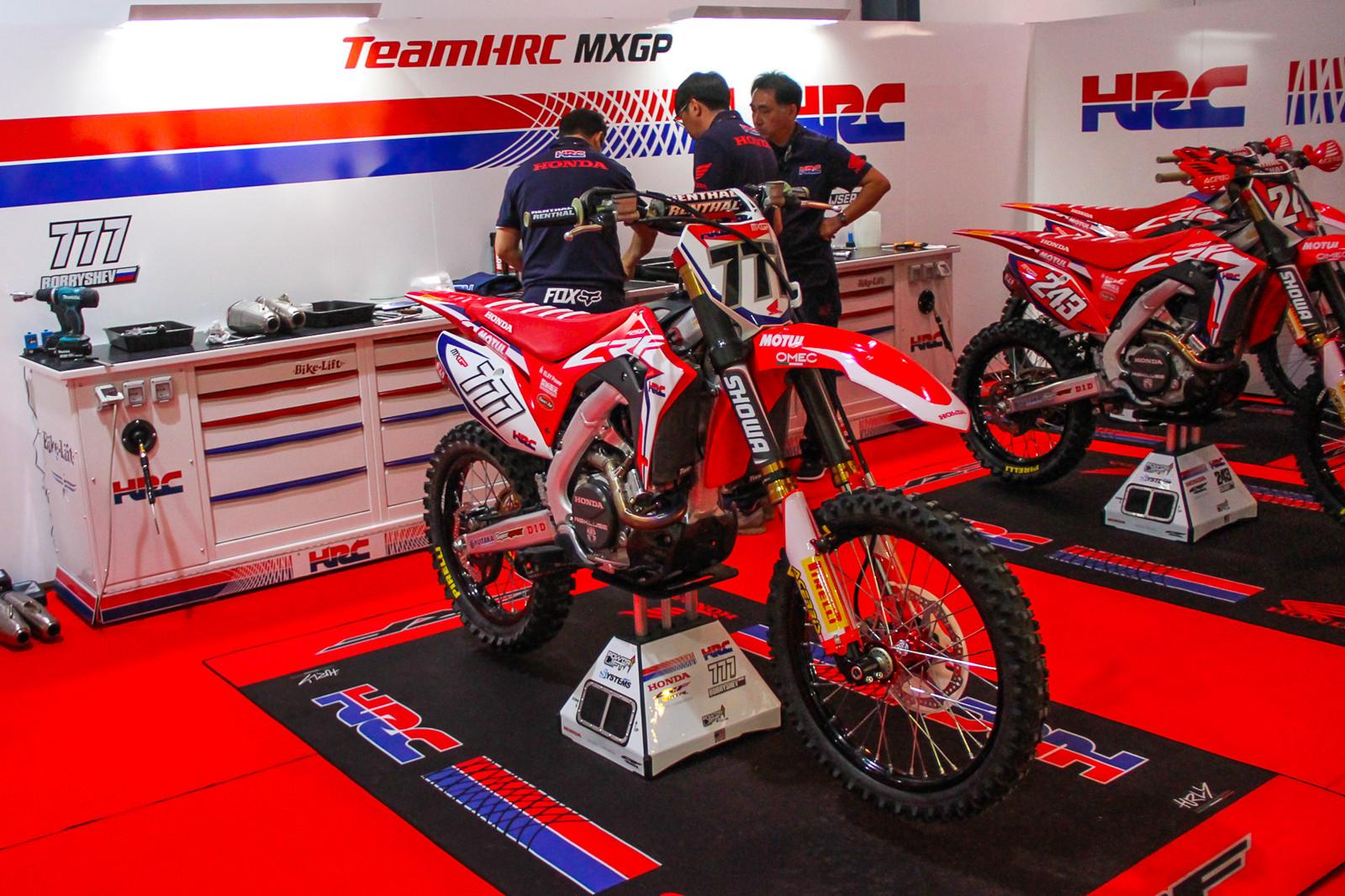Team Honda HRC Gariboldi MXGP - Vital MX Pit Bits: 2017 MXGP of Qatar - Motocross Pictures - Vital MX