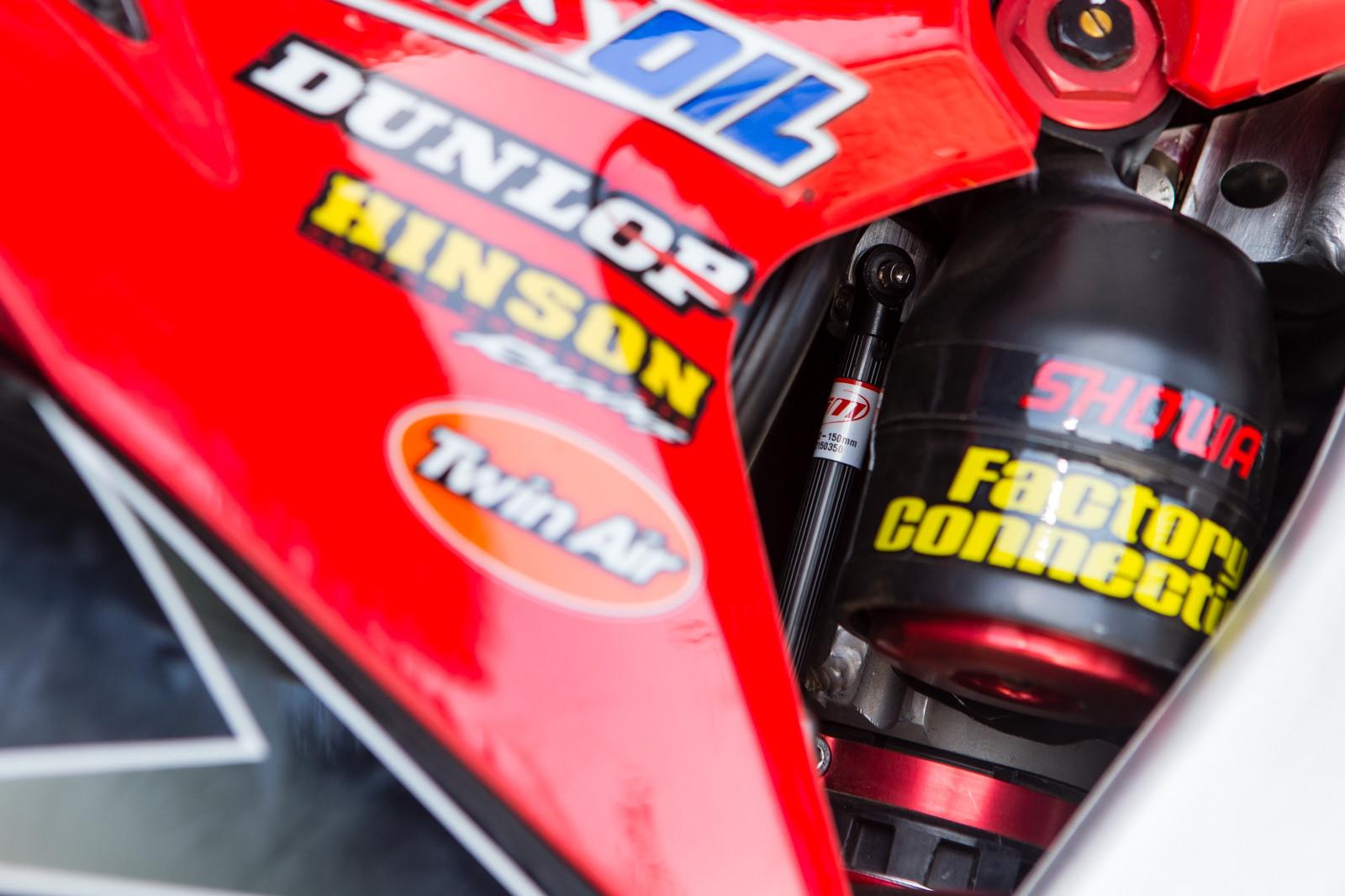 Data Acquisition Shock - Vital MX Pit Bits: Daytona Supercross - Motocross Pictures - Vital MX