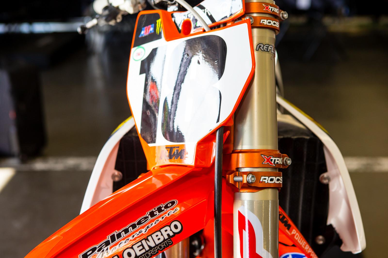 X-Trig vs Neken - Vital MX Pit Bits: Daytona Supercross - Motocross Pictures - Vital MX