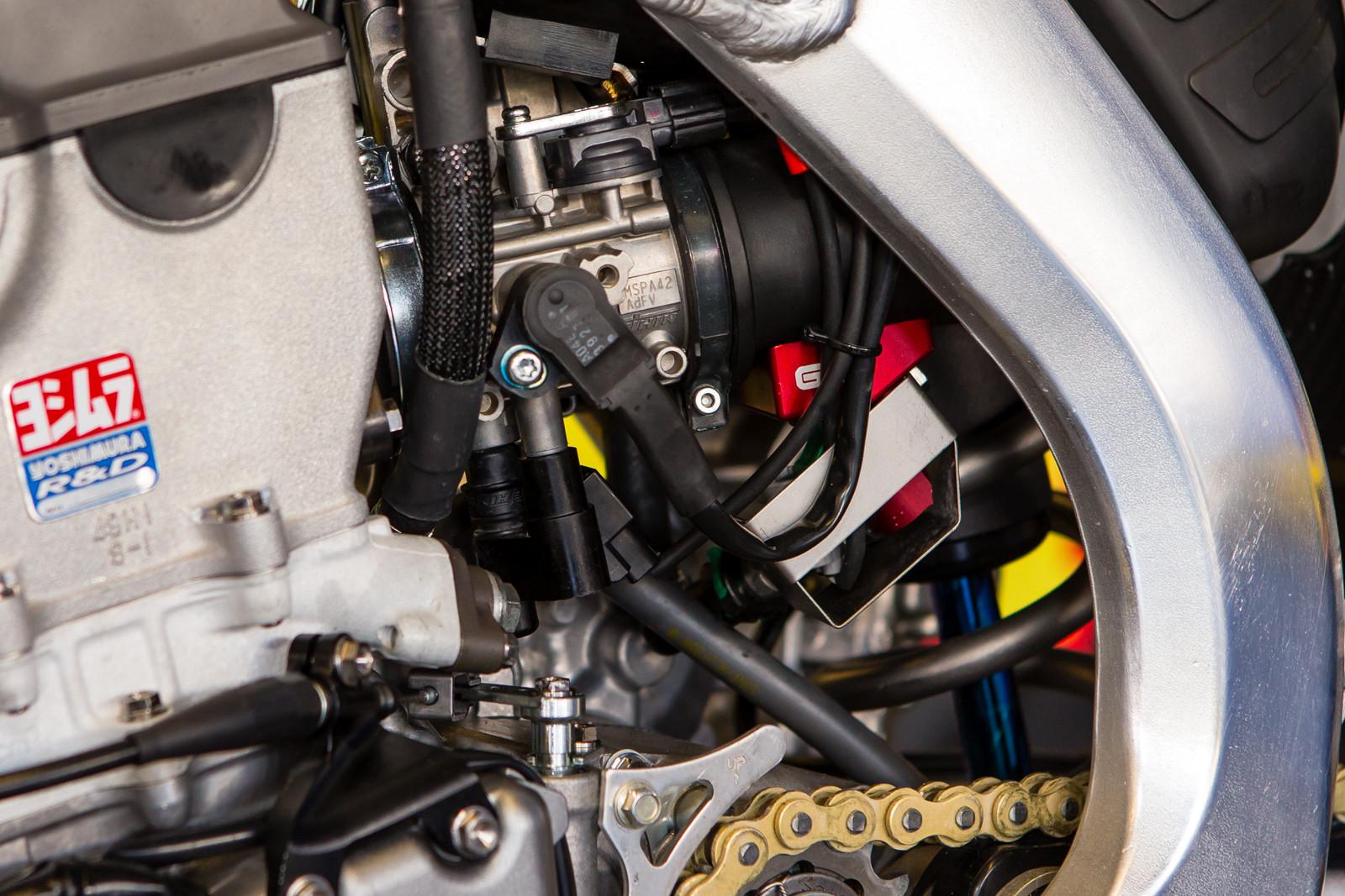 GET Dual Injector - Vital MX Pit Bits: Daytona Supercross - Motocross Pictures - Vital MX