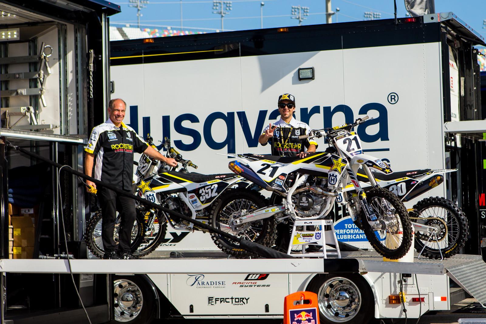 Rockstar Energy Husqvarna - Vital MX Pit Bits: Daytona Supercross - Motocross Pictures - Vital MX