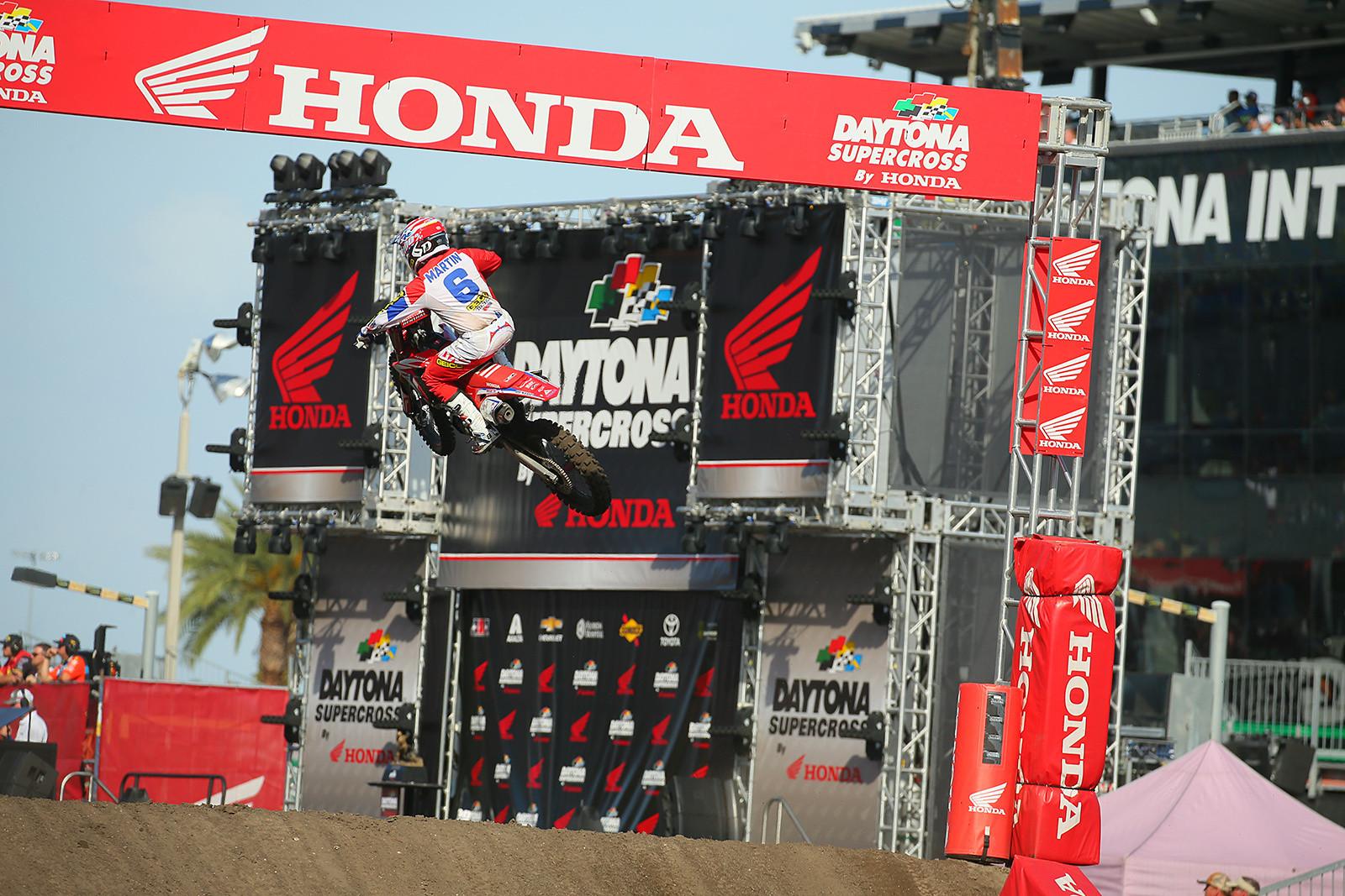 Jeremy Martin - Vital MX Pit Bits: Daytona Supercross - Motocross Pictures - Vital MX