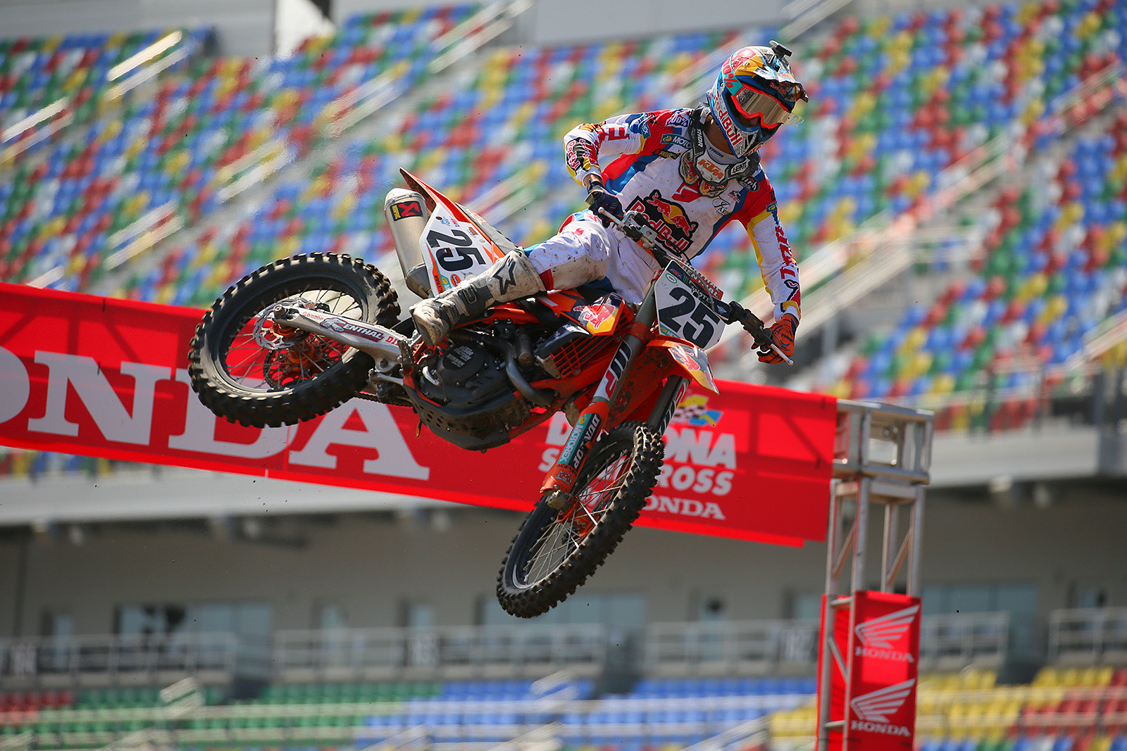 Marvin Musquin - Vital MX Pit Bits: Daytona Supercross - Motocross Pictures - Vital MX