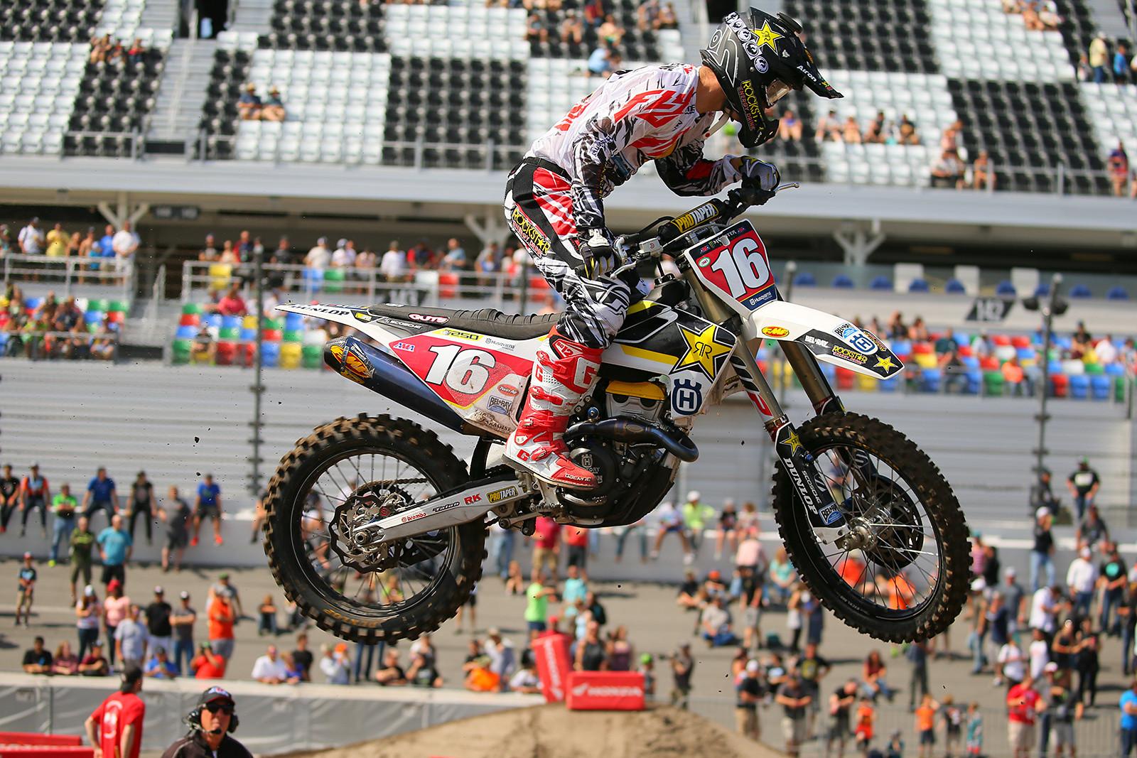 Zach Osborne - Vital MX Pit Bits: Daytona Supercross - Motocross Pictures - Vital MX