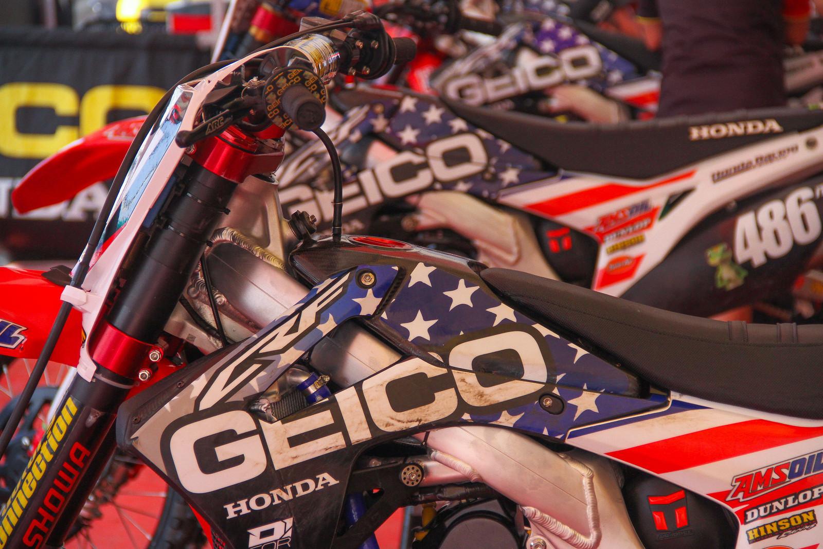 GEICO Honda - ayearinmx - Motocross Pictures - Vital MX