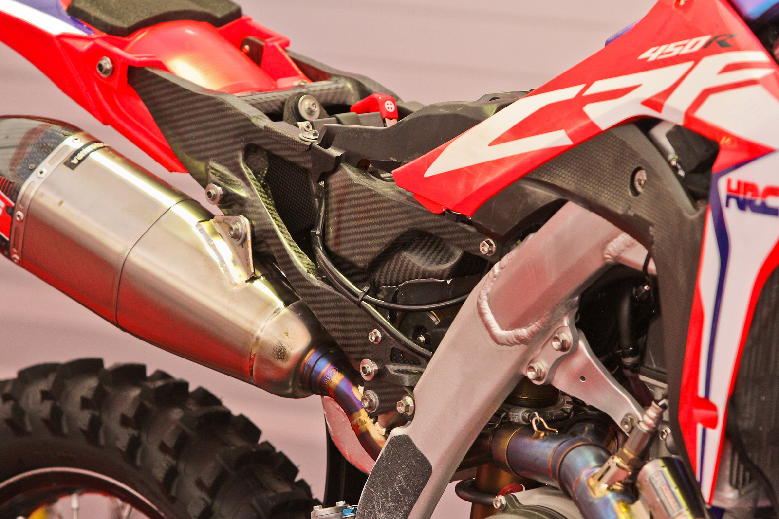 Carbon subframe/airbox Honda CR450F - ayearinmx - Motocross Pictures - Vital MX