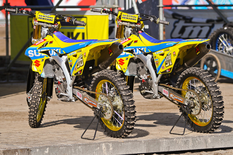 Can you spot the differences? Suzuki RM-Z250