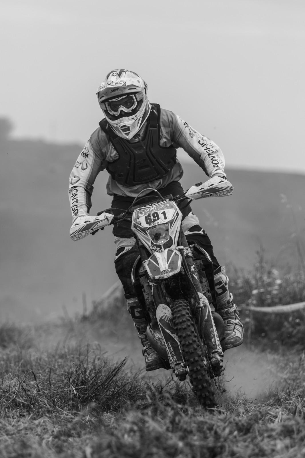 dorsal-691-2-3649 - Berni - Motocross Pictures - Vital MX