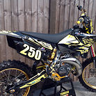 smezmx yz125 some new parts fitted,some new pics added.