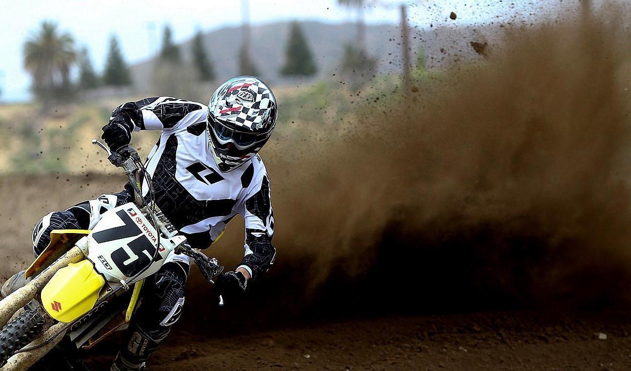 Milestone - SLAPAHO - Motocross Pictures - Vital MX