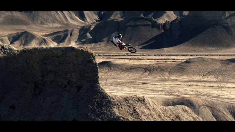 1091 Media This is MOTO Commercial November 2019