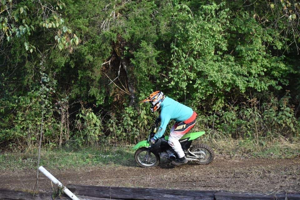 F70CFC74-5F86-41F1-B7D3-08338A25C3A4 - ianhendry46 - Motocross Pictures - Vital MX