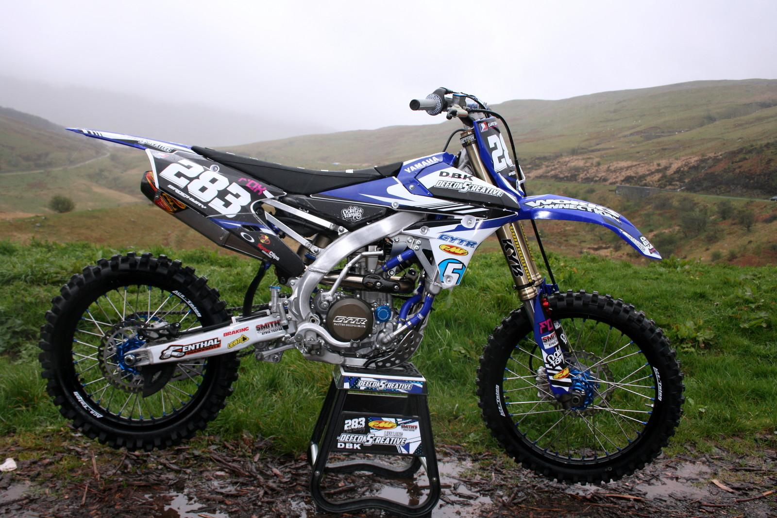Yamaha Acr Black